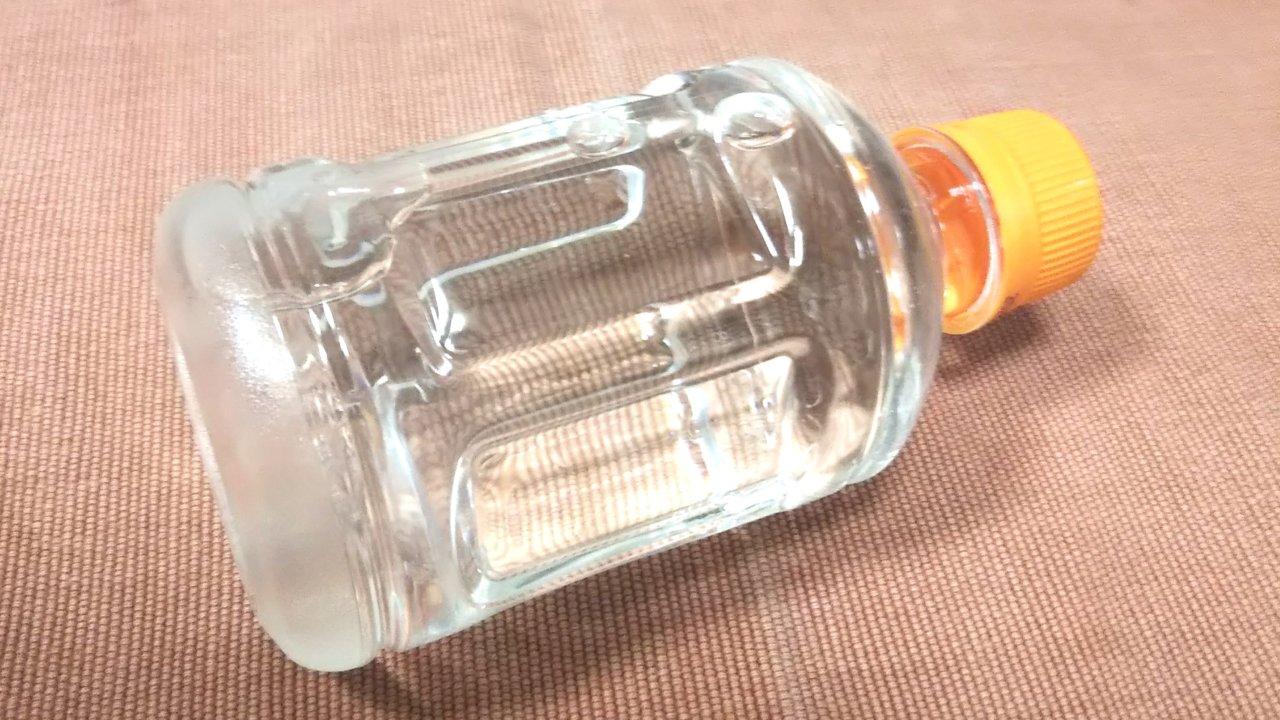お湯をいれたペットボトル
